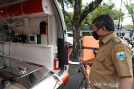 Pemkab Garut tambah enam unit mobil ambulans seharga Rp3 miliar