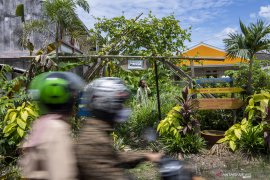 "Foto Cerita : Saat ""Ayam Jago"" Menjaga Kampung dari Corona Page 6 Small"