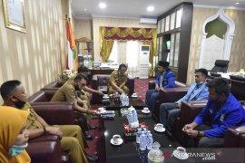 Wali Kota Padangsidimpuan sambut pengurus PMII dengan senyuman
