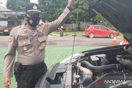 Wakapolres Bangka periksa kendaraan operasional personel (video)