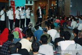Pemulangan 552 Pekerja Migran Indonesia Ilegal Dari Malaysia Page 1 Small