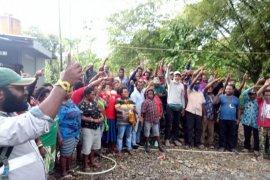 Aktivis HAM menduga ada yang tidak menghendaki ribuan warga Banti kembali