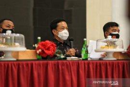 Pj Wali Kota Makassar : Jangan terlena meski keluar dari zona merah!