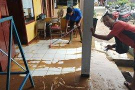 10 pekerja migran baru tiba di Tulungagung jalani isolasi