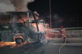 Bus AKAP Jakarta-Wonogiri terbakar di KM 15 Tol Jagorawi