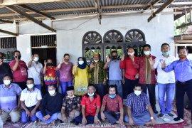 Bertemu masyarakat Jawa di Buluh Manis, Kasmarni: Jangan jatuh ke lubang yang sama