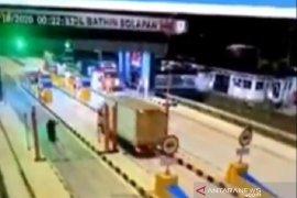 Viral, beredar video diduga pembegalan di Tol Pekanbaru Dumai