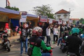 Komunitas Jogoboyo kawal aksi damai di kantor Gubernur Jatim