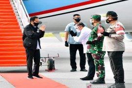 "Tiba Bandara Silangit, Jokowi langsung ke lokasi \""food estate\"" Humbahas"
