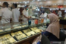 """Harga emas anjlok 32,7 dolar, saat """"greenback"""" reli, stimulus AS tetap buntu"""