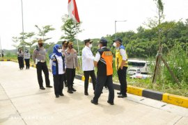 Menhub Budi Karya Sumadi pantau Tol Cikampek, terjadi kepadatan di KM 47A