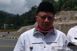Pemrov berharap pusat segera tambah guru PNS di Jawa Barat