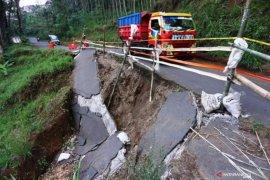 Khofifah sebut 22 kabupaten/kota di Jatim rawan bencana hidrometeorologi