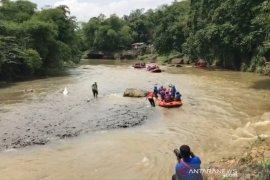 Wali Kota Bogor bersama OPD susuri Sungai Ciliwung