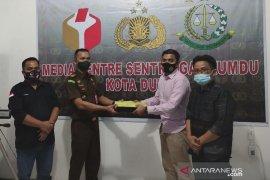 Satu calon walikota dan dua pejabat ASN jadi tersangka Pilkada di Riau