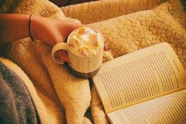 "Resep ""hot chocolate bombs"" yang viral di tikTok"