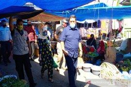 Sekda Tapsel terlibat operasi masker di Pasar Batang Toru