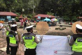 Polisi sosialisasikan protokol kesehatan di lokasi wisata
