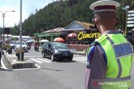 Minibus masuk jurang di jalur Cemoro Sewu-Sarangan, satu tewas