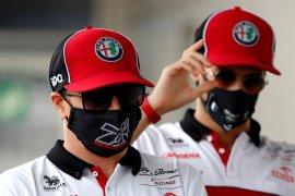 Tandem Raikkonen dan Giovinazzi kembali dapat disaksikan di Alfa Romeo tahun depan