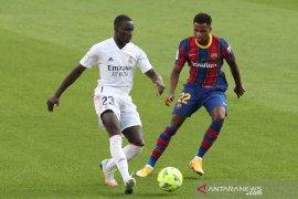 Pemain Barca Ansu Fati absen empat bulan setelah operasi lutut