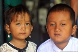 Kisah orang-orang bermata biru dari Ranah Minang (2)