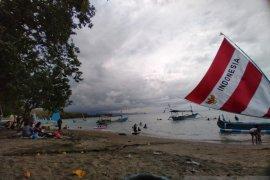 Libur cuti bersama, jumlah pengunjung wisata Pasir Putih Situbondo meningkat 220 persen