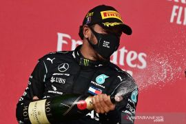 Lewis Hamilton juara balapan F1 Emilia Romagna GP