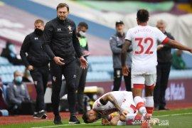 Striker Southampton Danny Ings akan jalani scan lutut
