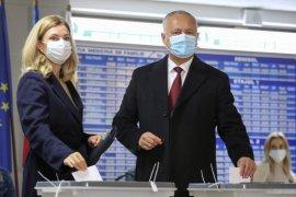 Warga Moldova ikuti pemilihan presiden di tengah pandemi COVID-19