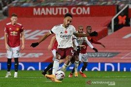 Liga Inggris - Hantam 1-0, Arsenal rusak perayaan laga ke-100 Solskjaer tangani MU