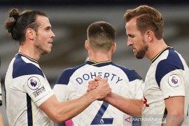 Everton terpeleset di puncak klasemen Liga Inggris