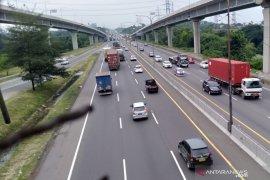 191.326 kendaraan menuju Jakarta lewat Tol Japek  pada arus balik libur panjang