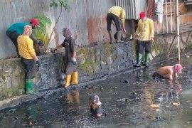 Banjarmasin kerahkan Pasukan Turbo tangani sampah sungai dan drainase