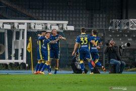 Dwigol Antonin Barak membantu Verona hantam Benevento 3-1