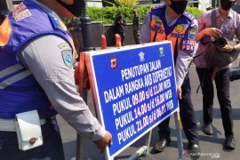 Polisi masih buka tutup jalan protokol di Bandung cegah COVID-19