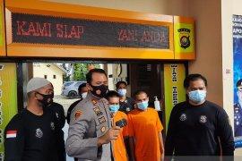 Polsek Kotabaru tangkap pelaku penggelapan mobil truk batubara