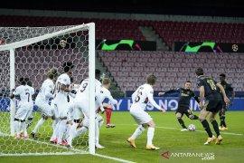Ajax menang 2-1 atas Midtjylland, Dusan Tadic main cemerlang