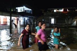 Puluhan rumah terendam banjir di  Gunungsitoli