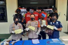 Kawanan begal sadis ditangkap di Bekasi satu orang masih diburu