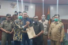 Penuhi aspirasi mashasiswa, Bupati Aceh Jaya sahuti sejumlah petisi yang diserahkan GASKAN
