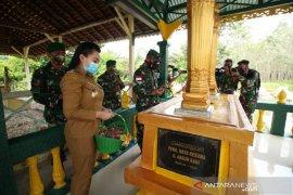 Kodam XII/Tanjungpura ikut renovasi makam pahlawan nasional di Landak