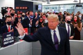 Tim kampanye  Trump ajukan gugatan penghentian penghitungan suara di Michigan