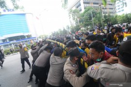 Polisi tindak aksi provokasi unjuk rasa mahasiswa di Banjarmasin