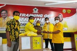 AMPG Kota Ternate serahkan 4.000 masker kepada paslon MHB-GAS