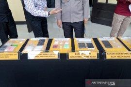 Polrestabes Bandung tangkap empat kurir sabu-sabu jaringan antarkota