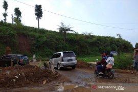 DPRD Cianjur desak pemkab hingga pusat segera bangun jalur Puncak II