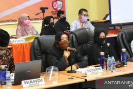 KPU Sambas persilahkan masyarakat ajukan pertanyaan untuk dibacakan saat debat publik