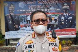 Polda Kalsel bagikan 20 ribu masker selama Operasi Zebra