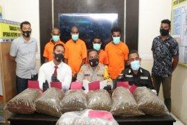 Empat WN Papua Nugini ditangkap bawa 10 kg ganja ke Jayapura